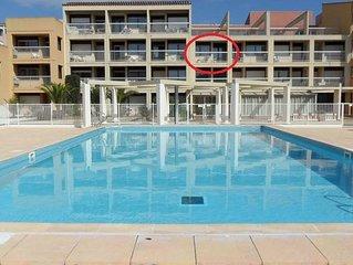 Appartement 4 personnes, clim, piscine, WIFI, centre port, parking