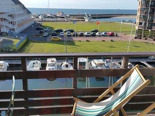 MARINA DEAUVILLE Duplex lumineux avec balcon et vue panoramique mer et bassin