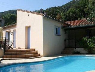 Entre mer et montagne, piscine privée, villa plein pied