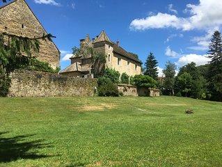 Chateau dans la vallee de la Loue