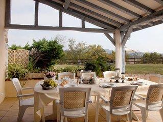 maison confort piscine et jacuzzi, idéalement située entre Béarn et Pays Basque