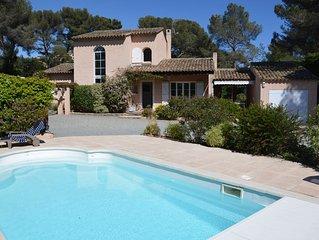 Maison provencale et maison secondaire, piscine, plage a pied, 12 personnes