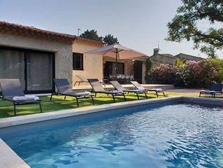 Villa entierement renovee  800m du centre ville de St Remy avec piscine chauffee