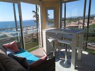 T3 standing , vue mer panoramique, piscine et parking.