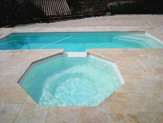 Magnifique Villa avec piscine, jacuzzi et terrain de boules sans vis a vis :)