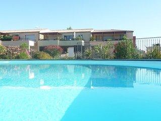 location vacances appartement Aigues mortes avec piscine + parking privé