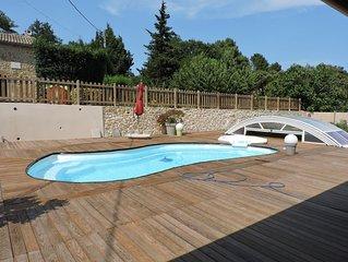 Mas 6/8 pers avec piscine & jacuzzi. A 10 km de l'A7 Bollene 40km d'AVIGNON