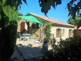 Petite Maison de caractère avec jardin en Provence/Côte d'Azur à 6 km de la mer