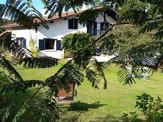 Maison a Ahetze, Piscine, Jardin, Mer et Campagne, Confort, Calme