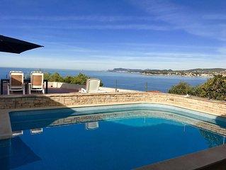 Mas provençal- vue mer 180° accès direct à la mer - Piscine