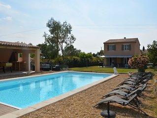 Superbe villa en Luberon proche de Gordes piscine chauffée et spa