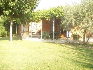 Le clos des oliviers maison au calme en campagne avec piscine