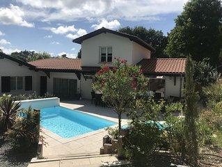 Belle Villa recente avec piscine chauffee