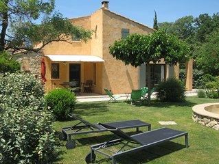 Le gite 'Les Euphorbes'...les oliviers,.. les cigales,...la Provence