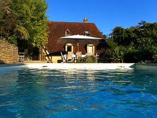 Coeur du Perigord noir maison 8/10 personnes, vue imprenable,piscine privee