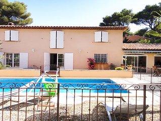 côtebleue villa 10 couchages  4ch 2sdb piscine grand jardin à 800m des calanques