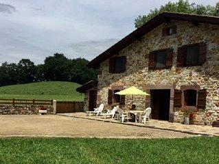 Charmante maison de caractère 4 à 5 personnes, vue sur la montagne