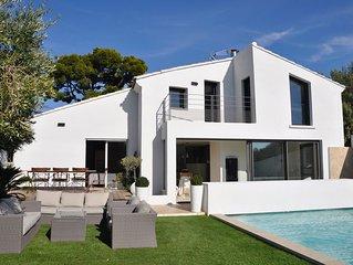 Sanary sur Mer Villa entièrement rénovée avec piscine, tout confort 170 m2