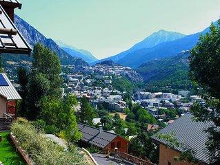 Chalet BRIANCON vue panoramique et dégagée sur la vallée /ski et randonnées