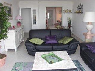 Saint Laurent du Var : appartement de 3 pieces tres agreable, terrasse vue mer