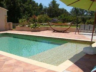 Maison climatisee, independante de 50 m2 avec piscine dans propriete a VENTABREN