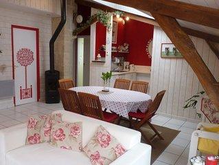 La Rose de Bois: Gite 3*Au ceour de la ville avec Piscine, spa, jardin.