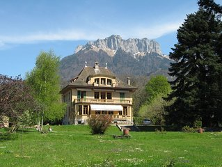 Belle et spacieuse villa situee a 150 m du Lac d Annecy