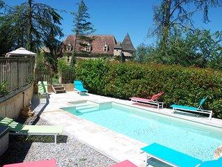 Jolie maison de village en pierres avec piscine et jardin