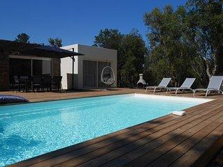 Villa neuve **** avec piscine chauffee a 700m de la plage
