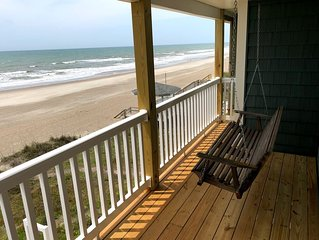 Fantastic Oceanfront Duplex, Gorgeous View. Directly on the beach
