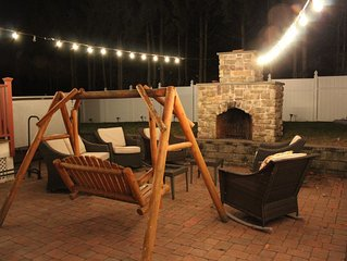 Relax and unwind - Outdoor Hot tub - 15 minutes drive to Downtown Boston