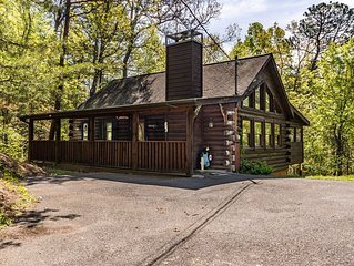 Bear-Themed Family-Friendly One Level Mountain Getaway Near Town With Arcade