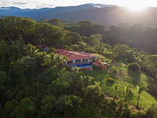 Exclusive 4 Bedroom Rainforest Retreat, Ocean/ Mountain Views