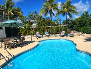 3 Bed 3 Bath ~Pool ~Dock~ Commercial Ice Maker ~Deep Water Canal~ Quiet Location