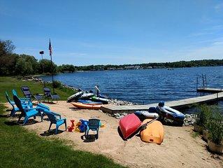 Large Gathering Lake Retreat! Amazing View, Comfortable & Spacious, Kayaks, Wifi