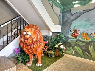 Lion King Disney Themed House! Private Pool/Spa
