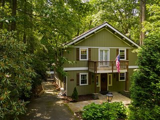 Chalet near Boone, Blowing Rock. Private, Spa, WIFI, Level entry, King, Dog Park
