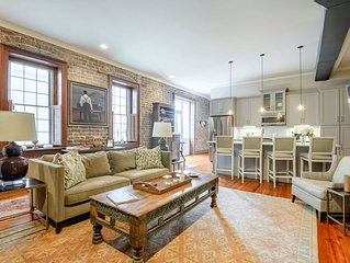 Luxury 1br/1.5 ba Apt. in the Heart of Charleston's French Quarter!