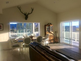 ☆BigSky View Home Retreat☆-New, Volcan Mtn, Deck, Hammock, Luxury Linens, Unwind
