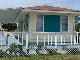 Waterfront Cottage on the ICW - Snowbirds are welcome!