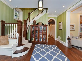 Asbury Park - Fully Renovated Victorian Home - 4 blocks from the beach!
