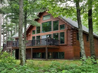 Clear Lake Point - log cabin on private peninsula