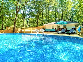 *SUMMER SALE_Modern Contemporary 3 bdrm (4 beds) House with HotTub & Pool!