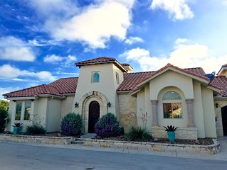 Luxury & Spacious 3 bed / 3 Bath Villa in Gated Community - Large Groups Welcome