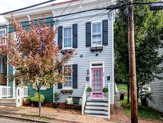 Renovated Historic Home located downtown with parking - Walk everywhere !