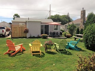 Quintessential Beach Cottage 3 Blocks from Scarborough State Beach!