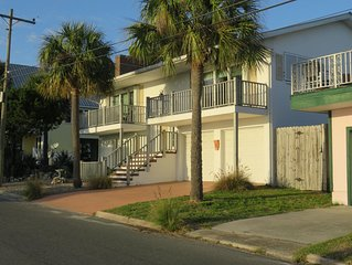 Waterfront Home in Downtown Cedar Key - Gorgeous Sunset Views! Pet Friendly!