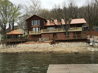 Newly Renovated 7 Bedroom Lakefront Vacation Home