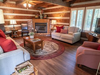 Cozy & Chic Rustic Retreat-Luxury Log Home ❤️ Near Downtown, Opry and Much More♫