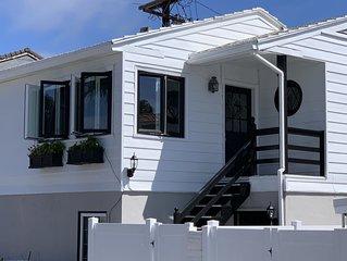 Balboa Island Cottage - Sleeps 5 - 2/BD - 1/BA --- 4 PADDLE BOARDS